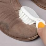 Учимся чистить замшевую обувь и угги
